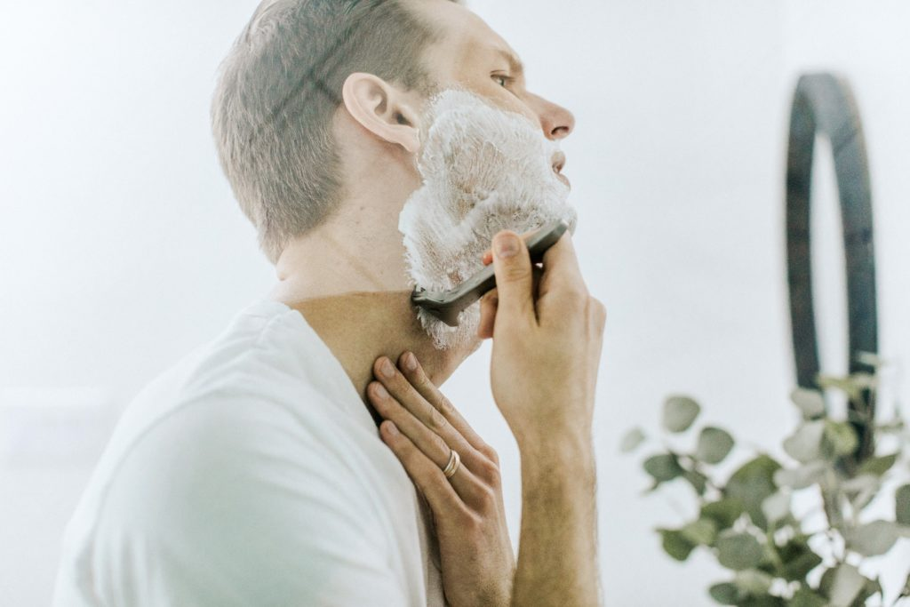 3 Easy Tips for Men on How to Get a Smoother Face